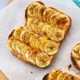 Французские тосты с ломтиками поджареного банана