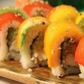 Суши с веганским лососем из разных овощей