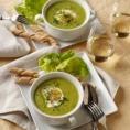 Крем суп со шпинатом и яйцом-пашот