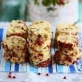 Печенье с фисташками и сушеной клюквой