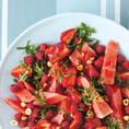 Арбузно-ягодный салат с мятой